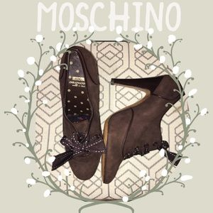 NEW Moschino brown suede lace up bootie sz40/9